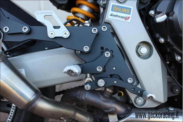Pedane arretrate accessori Honda Hornet
